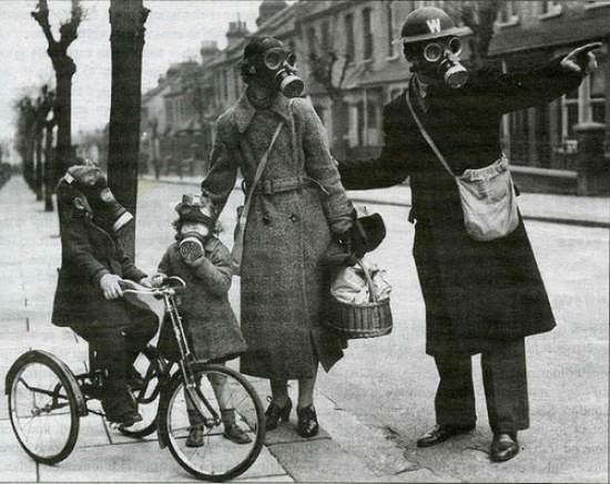 vintage-gas-masks2